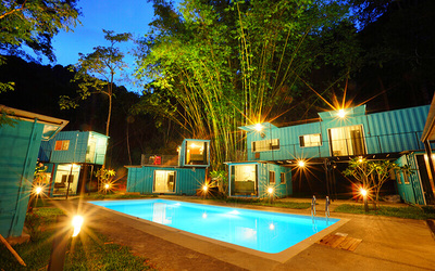 Kuala Kubu Bharu: 2D1N Stay in Medium Container Room for 3 People
