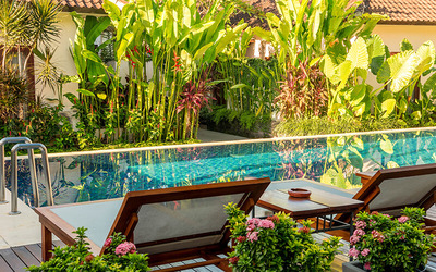 Seminyak: 4D3N in Deluxe Premier + Breakfast + Free Airport Drop + Mini Bar (for 2)