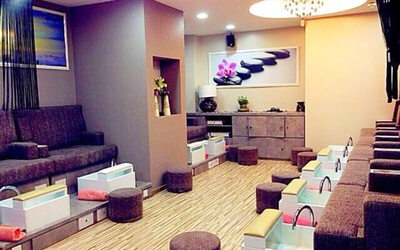 Gel Manicure with Return Soak-Off and Classic Pedicure for 1 Person (1 Session)