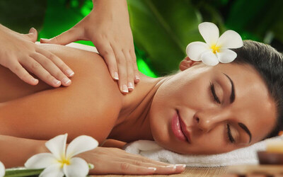 105 Menit Body Massage + Body Scrub + Ear Candle + Drink & Snack