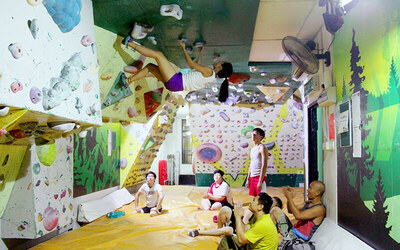 1-Hour M-Intro Climbing Class for 5 People