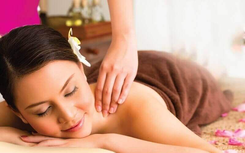 1-Hour Thai Shoulder and Foot Massage for 2 People
