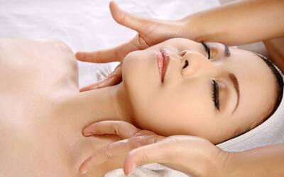 4-Visit Radiance Facial + Eye and Neck Treatment for 1 Person