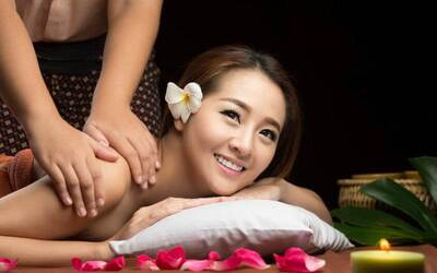 2-Hour Aura Seni Spa with Body Massage and Scrub for 1 Person