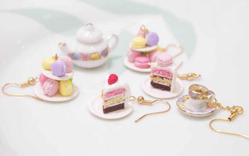 2-Hour Beginner's Miniature Cake Earrings Workshop for 2 People