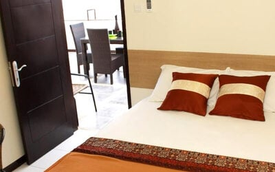 Asia Afrika: 2D1N in Superior Room AC + Breakfast