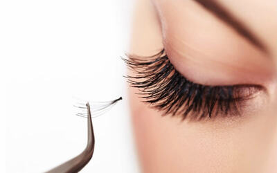 Remove Eyelash Extensions + Natural Eyelash Extensions + Mascara Wand