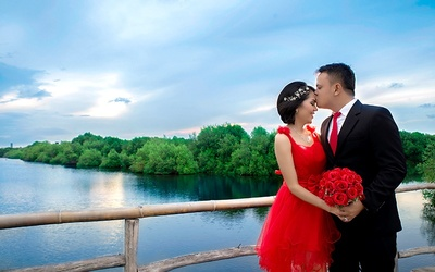 Outdoor + Indoor Prewedding
