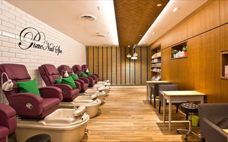 Gel Manicure with Return Soak-Off + Classic / Gel Pedicure for 1 Person (2 Sessions)