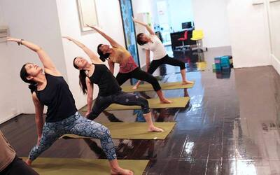(4 Classes) 60-Minute Yoga and Pilates Class for 2 People