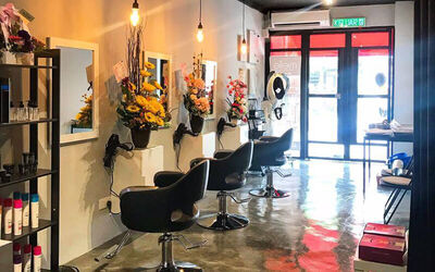 Men's Scalp Treatment, with Hair Cut, Wash, and Blow for 1 Person