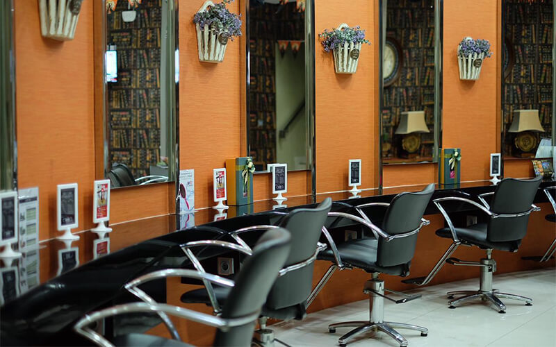 GORJES HAIR & LOUNGE featured image.