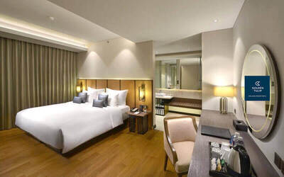 Golden Tulip Holland Resort Batu Malang: 2D1N Deluxe Room + Breakfast (Friday - Saturday)
