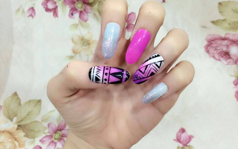 Auto City: 10 Korean Trendy Nail Arts with Gel Polish for 1 Person ...