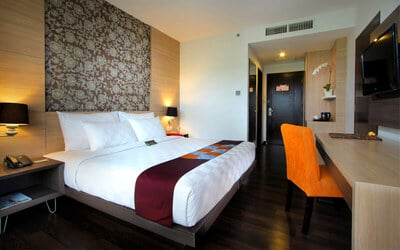 Kuta: 2D1N in Deluxe Room + Breakfast