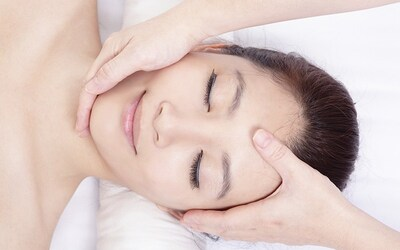 120-Minute Oxygenating Facial for 1 Person