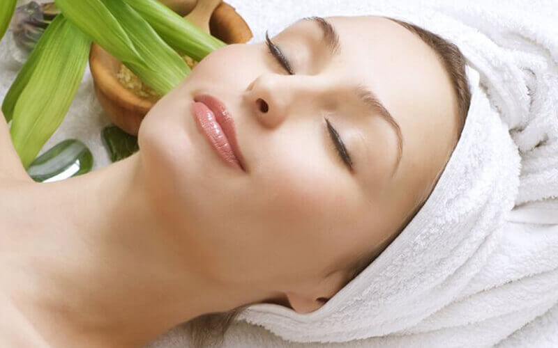75-Minute Crystalline Facial with Boule Serum Freeze + Eye and Face Mask for 1 Person (3 Sessions)