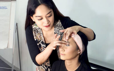 1x Private Self Makeup Class + Free Peminjaman Ringlight untuk Foto