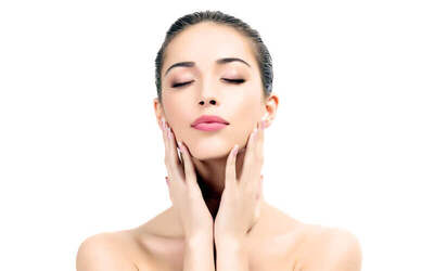 1x Tightening Full Face (RF for Chubby Chick & Double Chin) + Face Mask + Massage + Free Konsultasi Dokter