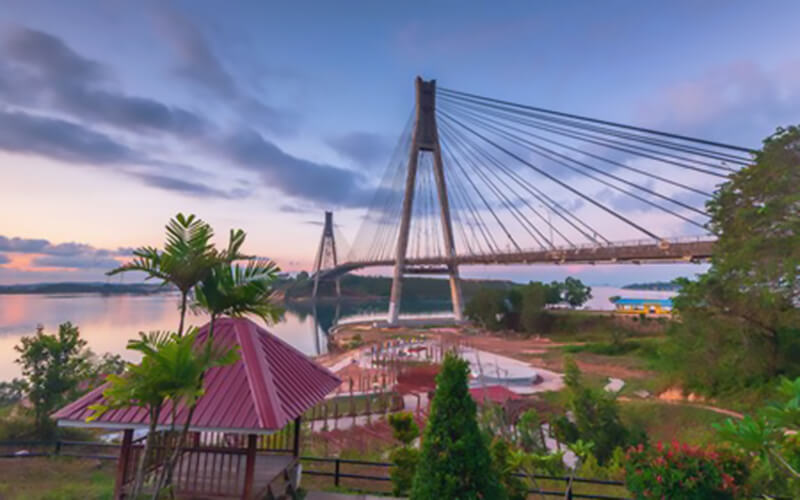 Batam: 1-Day City Tour with Lunch + 2-Way Ferry Transfer for 1 Person