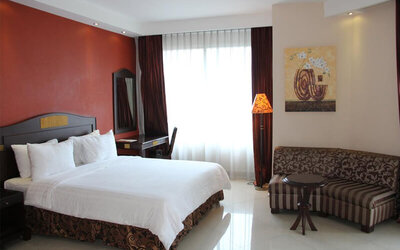 Jakarta:  2D1N in Superior Deluxe Room + Breakfast