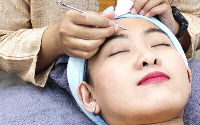 Basic Facial Treatment +  Face & Shoulder Massage + Free Konsultasi