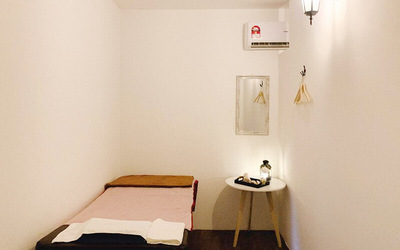 IPL Underarm Hair Removal with Complimentary Natural Herb Foot Spa for 1 Person (3 Sessions)
