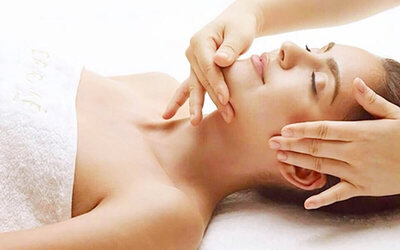 2-Hour Lymphatic Drainage Facial Treatment for 1 Person