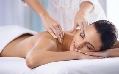 1x Signature Massage + Hot Stone + Totok Wajah + Ginger / Lemon Drink (90 Menit)