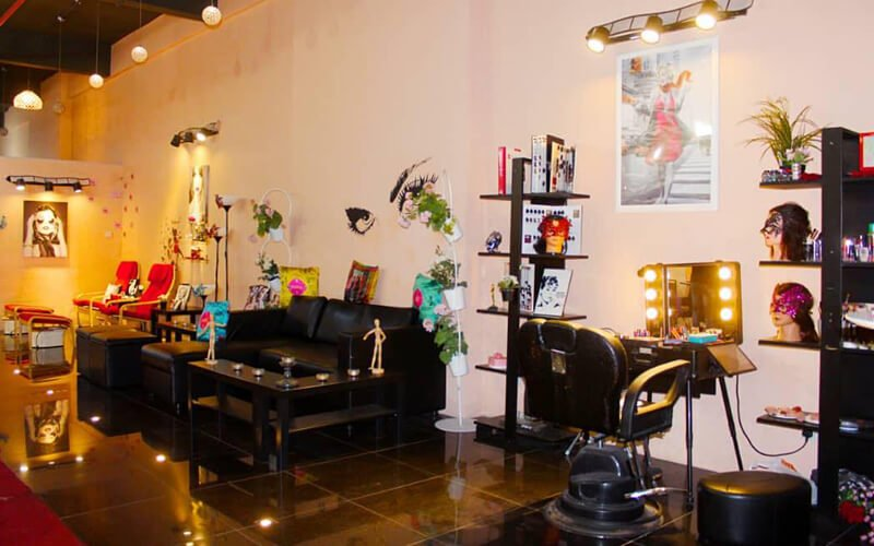 Balayage/Ombre Hair Coloring + Hair Treatment + Cut for 1 Person