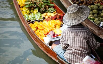 Bangkok: Half-Day Tour to Damnoen Saduak Floating Market and Mae Klong Railway Market for 3 People