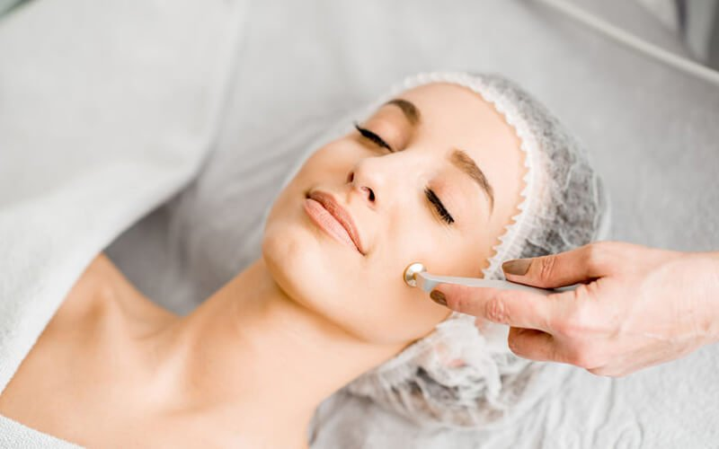 1x Microdermabrasi Treatment + Face Mask Whitening + Free Doctor Consultation