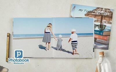 """8"""" x 8"""" Small Square Imagewrap Lay Flat Photobook (22+2 Pages)"""