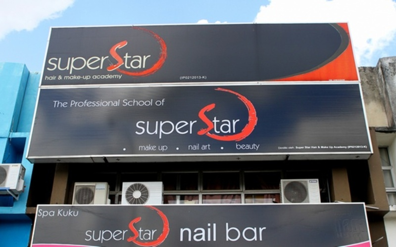 Super Star Nail Bar featured image.