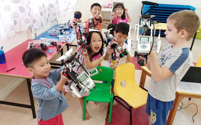 1.5-Hour Robotics and Coding Introductory Class for 1 Child