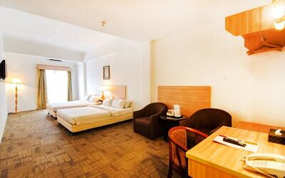 Malacca: 2D1N Stay in Family Deluxe Room with Breakfast for 4 People