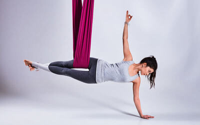 1-Hour Flying Yoga Cat Lesson for 1 Person