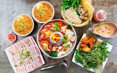 Tomyum Seafood Hotpot with Sides for 3-4 People