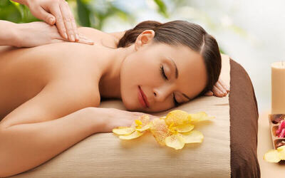 80-Minute Aroma Volcanic Stone Body Therapy with Sea Salt Foot Spa for 1 Person