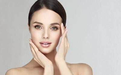 Whitening Platinum Infusion + Dermalux Light Therapy