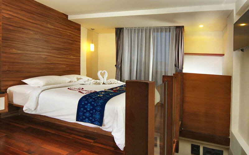 Legian: 4D3N Studio Apartment + Breakfast + One way airport transfer