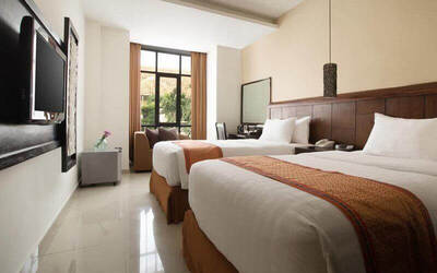 Kuta: 4D3N in Superior Room + 1 Way Airport Transport (Room Only)