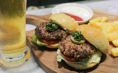 Special Package Burger + Beer