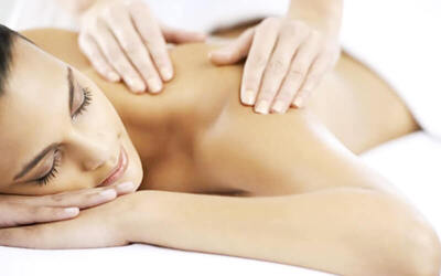 1.5-Hour Full Body Aromatherapy Massage with Detox Cupping for 2 People