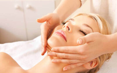 1.5-Hour Brightening Facial Treatment for 1 Person