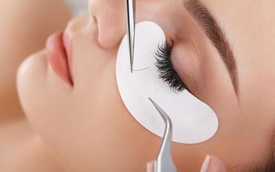 120-Piece Gorgeous Eyelash Extension with Touch-Up for 1 Person