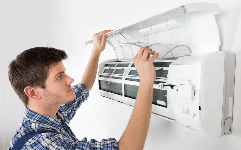 Air Conditioner Servicing and Gas Refill with 1-Month Warranty for 1 Unit