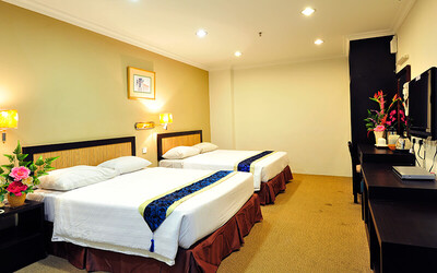 Malacca: 2D1N Stay in Family Suite with Breakfast + Four (4) River Cruise Tickets for 4 People