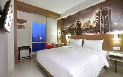 Senen: 2D1N in Deluxe Room + Breakfast