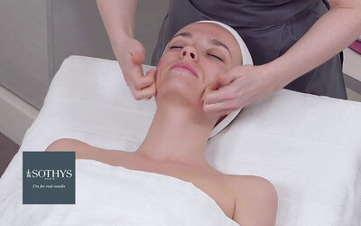 1.5-Hour Valentines Day Instant Radiance Facial + Complimentary Vital Eye Treatment + Aroma Essential Neck Treatment for 2 People